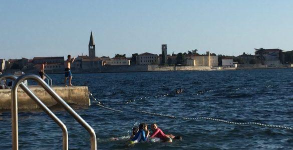 Otroci se morda najbolj razveselijo počitnic na morju. Foto: Sonja Merljak/Časoris