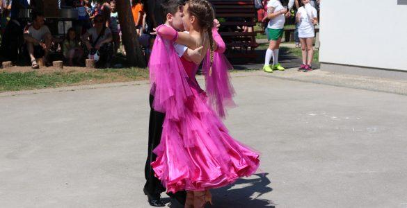 Mlada plesalca.