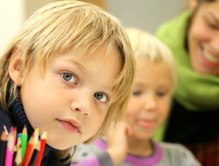 Otroci v šoli. Vir: Pixabay.