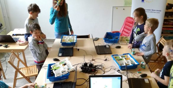 Delavnica o robotiki v Europe Direct Novo mesto. Vir: Arhiv ED Novo mesto