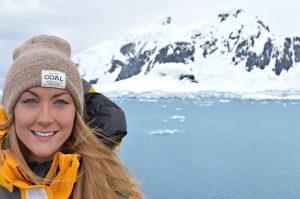 """Cassie na Antarktiki. Vir: Cassie De Pecol/<a href=""""https://expedition196.com/"""">Expedition 196</a>"""