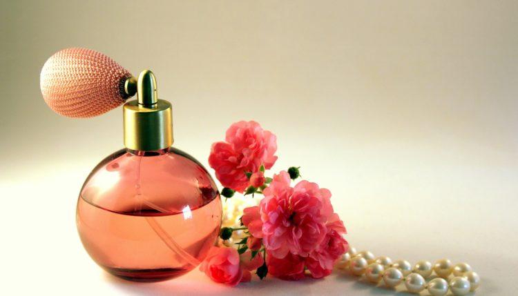 Slovenski izum je tudi razpršilo za parfume. Vir: Pixabay