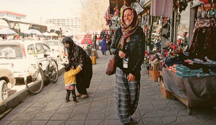 """Cassie v Afganistanu. Vir: Cassie De Pecol/<a href=""""https://expedition196.com/"""">Expedition 196</a>"""
