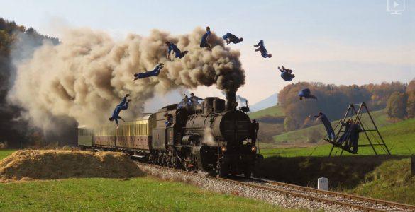 Dunking Devils skačejo čez lokomotivo. Vir: Dunking Devils
