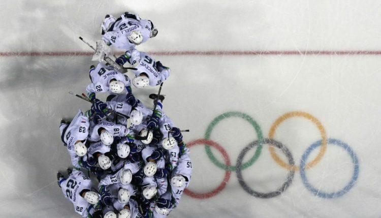 Slovenski hokejisti na igrah v Koreji. Vir: Arhiv OKS