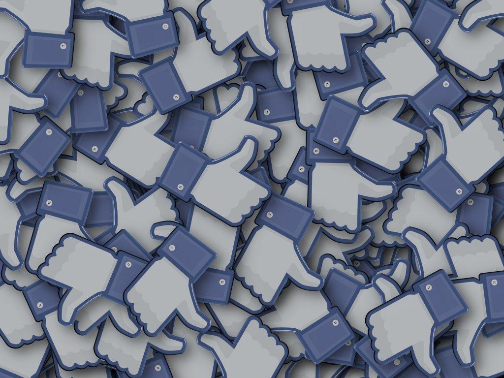 Všečki na Facebooku. Vir: Pixabay