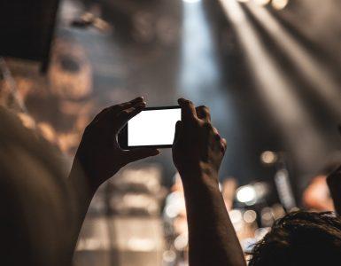 Snemanje v živo. Vir: Pexels