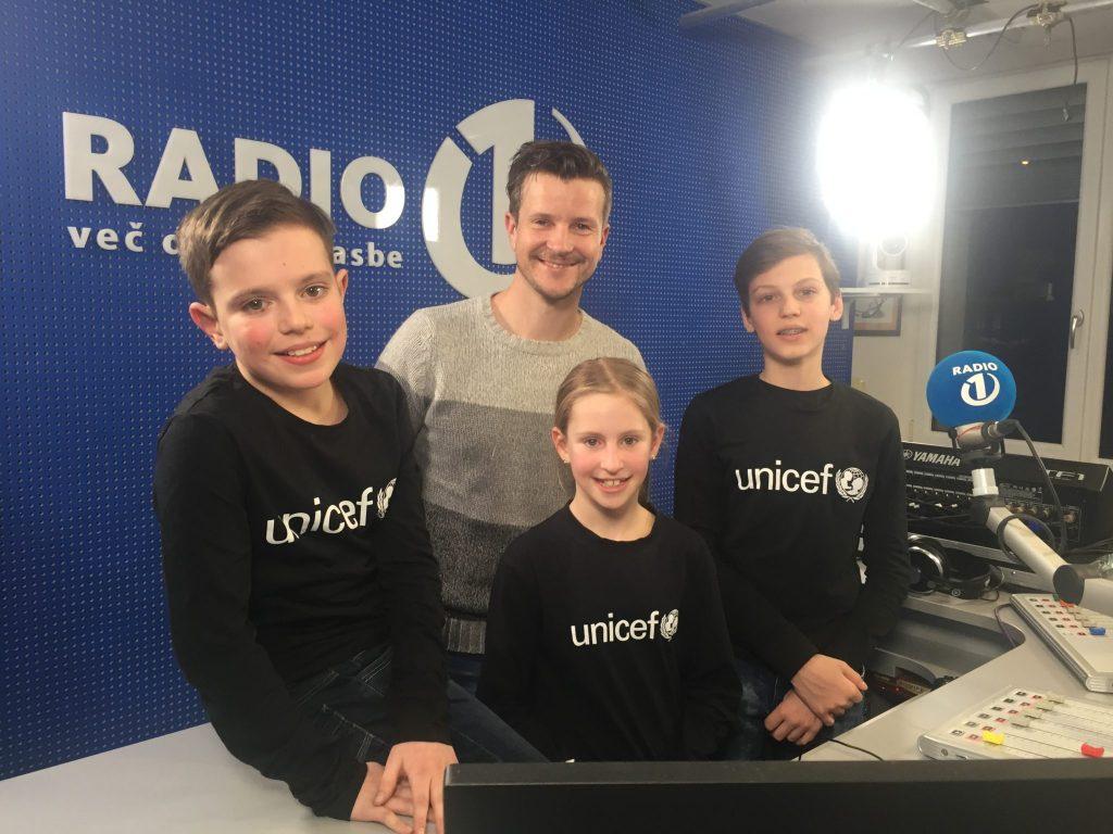 Junior ambasadorji Unicefa na Radiu 1. Vir: Unicef