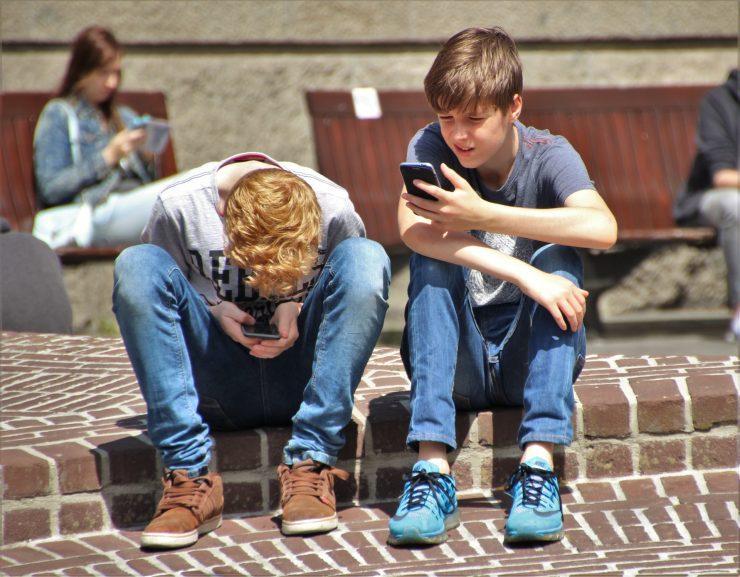 Otroci v medijih. Vir: Pexels
