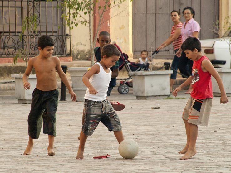 Ulični nogomet na Kubi. Foto: Gerry Balding/Flickr
