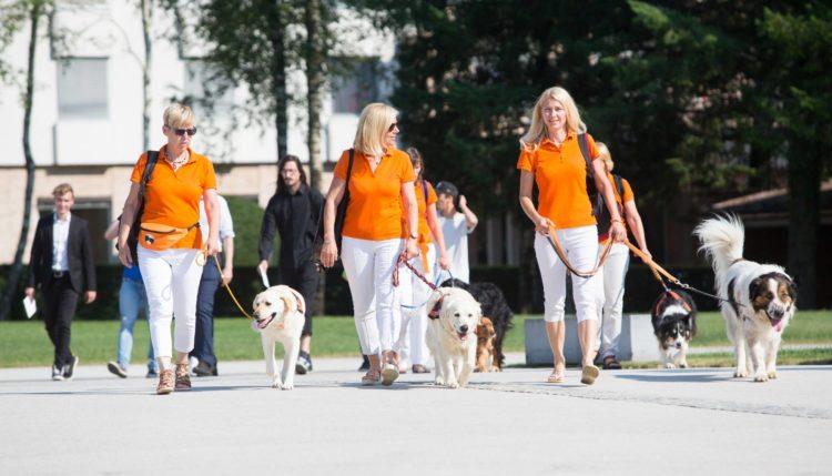 Med lanskimi kandidati za prostovoljca leta so bile tudi vodnice psov in njihovi štirinožni prijatelji. Vir: MSS/Facebook