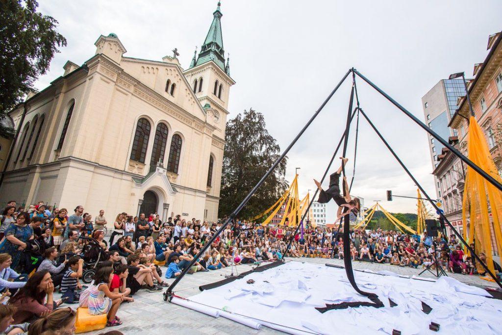Ana Desetnica 2018. Foto: Luka Dakskobler/Arhiv Ane Desetnice in Aerial Circus
