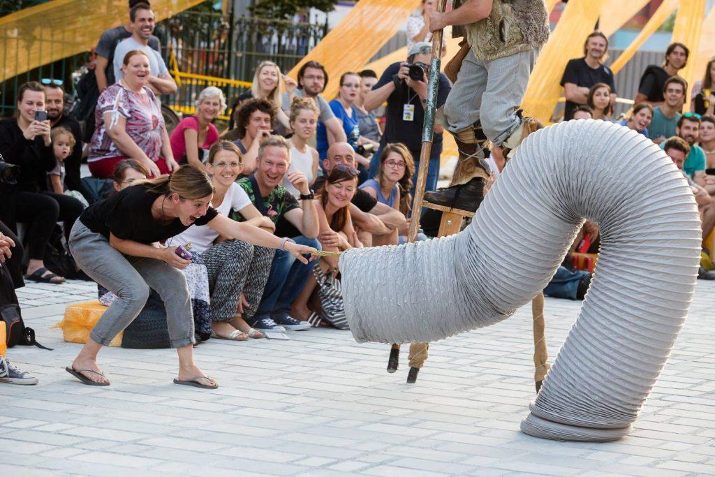 Predstava Črvi. Foto: Luka Dakskobler/Arhiv Ane Desetnice