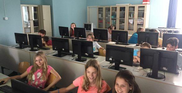 Kdaj bodo šolske klopi spet polne, še ni znano. Foto: Sonja Merljak/Časoris