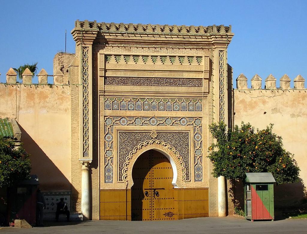 Malak Zala Gašperin je doma v bližini mesta Meknes. Na fotografiji Kraljeva palača. Foto: Bernard Gagnon/Wikimedia