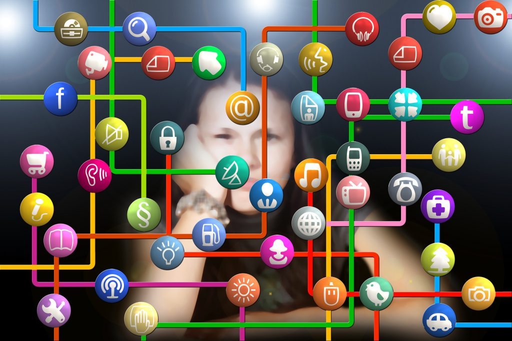 Kako se počutiš zaradi družbenih omrežij? Vir: Pixabay