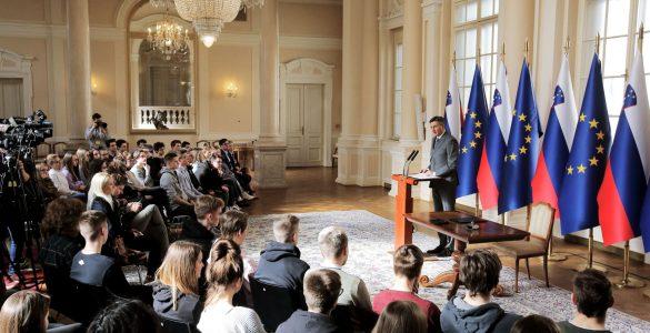 Borut Pahor je tudi na slovesnem dogodku ob razpisu volitev poslancev v evropski parlament dejal, da pričakuje opravičilo Antonija Tajanija. Foto: Daniel Novakovič/STA