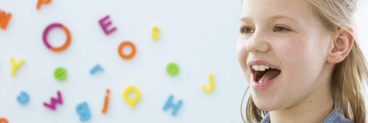 Učenje govorjenja. Vir: Adobe Stock