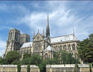 Katedrala Notre-Dame pred požarom. Foto: Madhurantakam/Wikipedia