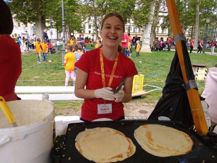 Sonce in palačinke so razveselili udeleženca festivala Igraj se z mano. Foto: Anja Bergant/Arhiv festivala Igraj se z mano