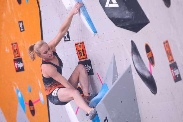 Janja Garnbret na finalu plezalnega spektakla Triglav The Rock. Foto: Anže Malovrh/STA