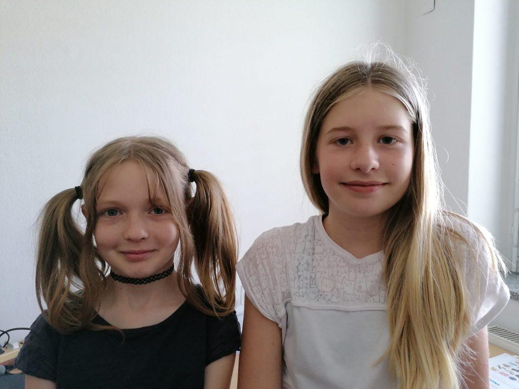 Alina in Leni. Vir: Arhiv OŠ Majde Vrhovnik