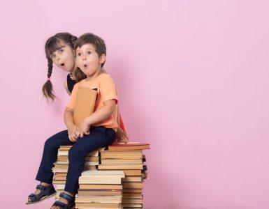 Eni otroci so čudijo, za kaj je treba prvemu šolskemu dnevu nameniti toliko besed, drugi se malo bojijo, a mnogi otroci se veselijo, da gredo spet v šolo. Vir: Adobe Stock