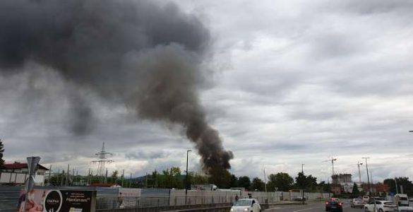 Požar v Šiški. Foto: Robert Hrovat/STA