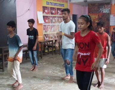 Indijska gimnastičarja sta očarala splet. Vir: Posnetek zaslona