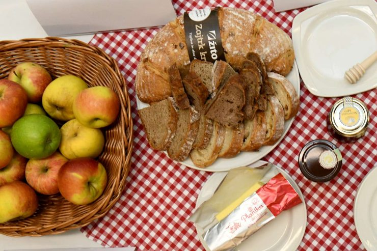 Tradicionalni slovenski zajtrk. Foto: Tamino Petelinšek/STA