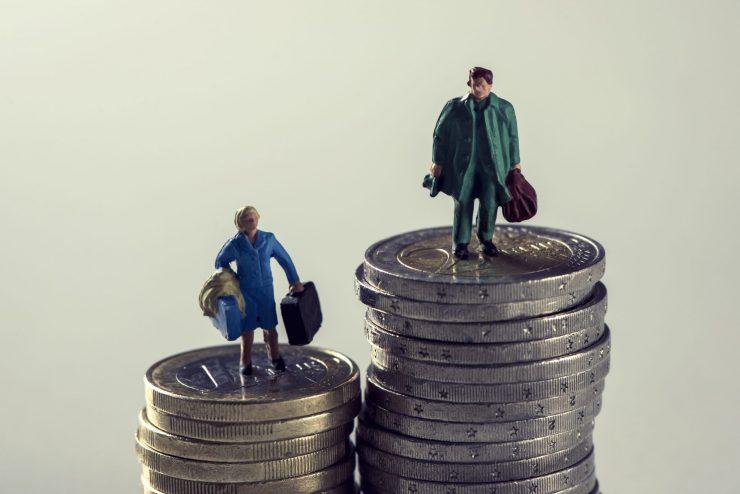 Ženske za enako delo dobijo manjše plačilo. Vir: Adobe Stock