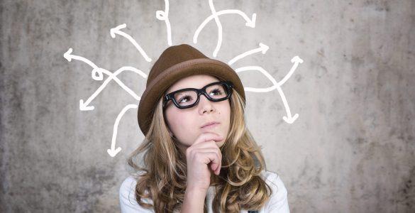 Ali lahko otroci pomagajo sošolcem pri učenju? Vir: Adobe Stock