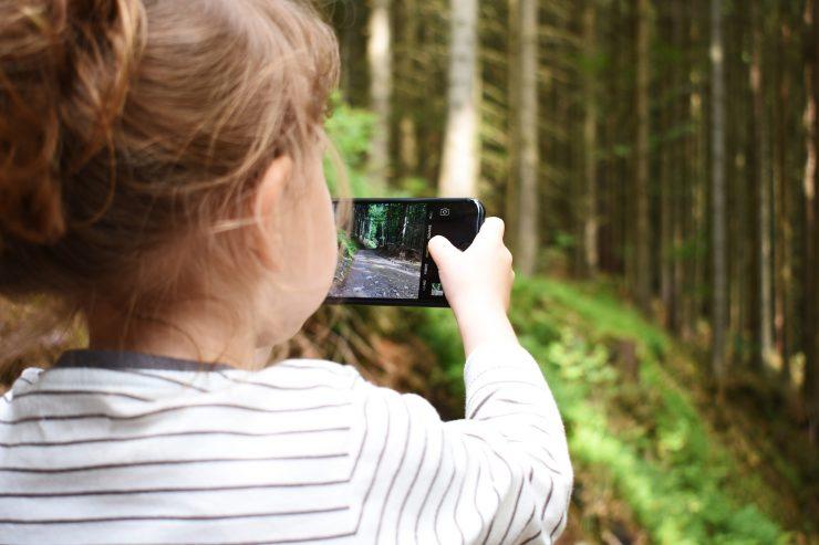 Namesto za zaslonom preživi prosti čas tudi v naravi. Vir: Pixabay