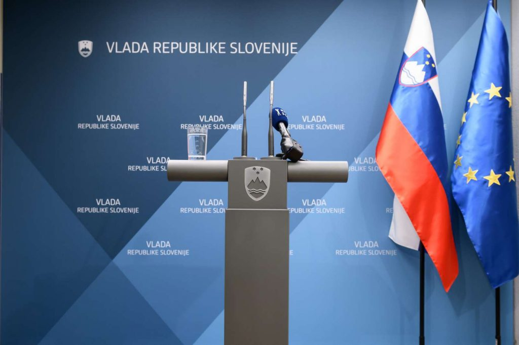 Pred izjavo za medije ministrice za pravosodje Andreje Katic. Foto: Nebojša Tejić/ST