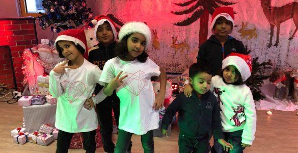 Ali in njegovi prijatelji (z leve): Dana, Ali, Benin, Hussein, Abbas, Noor. Foto: Maša Gril
