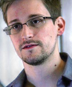 Edwarda Snowdna imenujemo tudi žvižgač. Vir: Wikipedia
