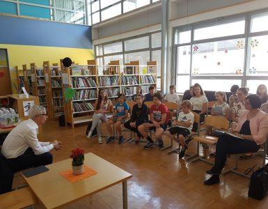 Minister dr. Jernej Pikalo na obisku na OŠ Drska v Novem mestu. Vir: Arhiv MIZŠ