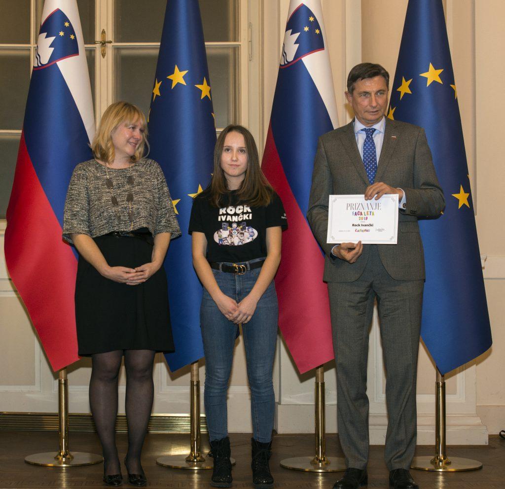 V imenu Rock Ivančkov je priznanje prevzela pevka Tinkara Pervinšek. Foto: Maša Kores