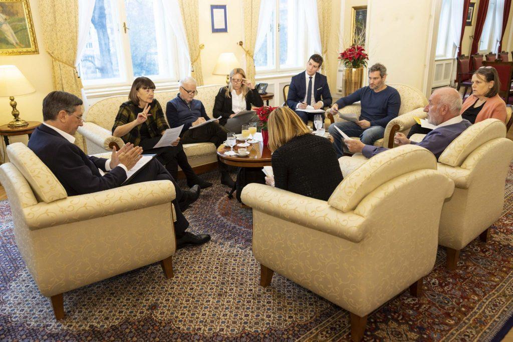 Srečanje stalnega posvetovalnega odbora za podnebno politiko pri predsedniku Republike Slovenije. Vir: UPRS