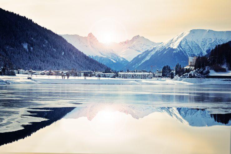 Jezero Davos. Vir: Adobe Stock