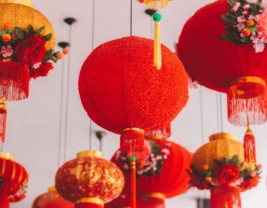 Za praznovanje kitajskega novega leta je značilna rdeča barva. Vir: Humphrey Muleba/Unsplash