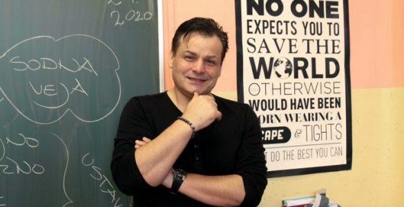 Pomembno je, da smo učitelji sočasno ljudje in strokovnjaki, poudarja učitelj Peter Čanji. Foto: Anže Sobočan/Časoris