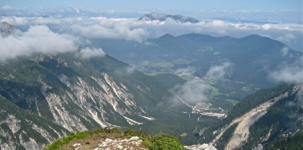 Pogled na Planico s Slemenove špice. Vir: Wikipedija