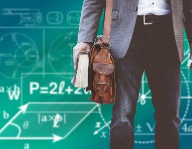 Administrativno delo učiteljem povzroča veliko stresa. Vir: Pixabay