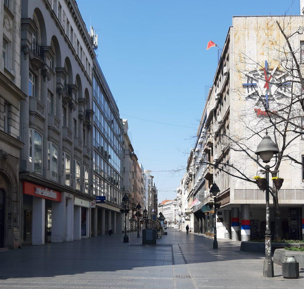 Prazna ulica v Beogradu. Vir: Osebni arhiv