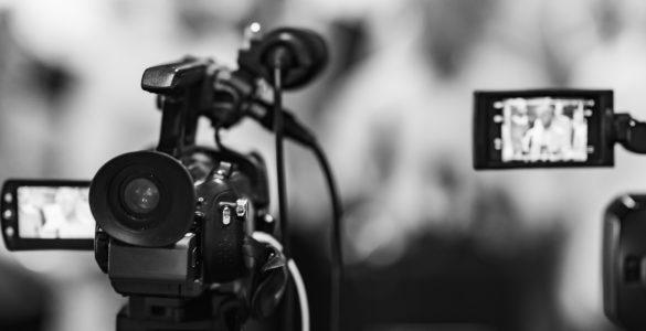 3. maj je dan svobode medijev, a na splošno velja, da ta svoboda precej nazaduje, ugotavlja devetošolka Urša Kusterle. Vir: Adobe Stock