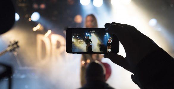 Poklic pevke je zelo zahteven, če ga želiš dobro opravljati. Vir: Pixabay