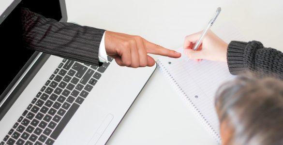 Bodimo pozorni pri rabi interneta. Goljufi že izkoriščajo našo pogostejšo uporabo orodij za delo od doma. Vir: Pixabay