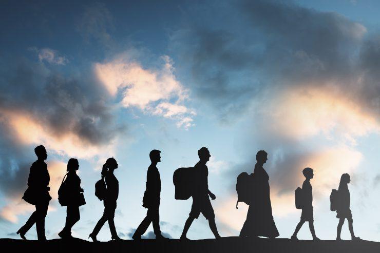 Vsako minuto 20 ljudi zapusti dom, da bi ubežali vojni ali nasilju, pravijo v OZN. Vir: Adobe Stock