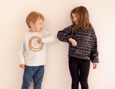 Epidemija novega koronavirusa je sremenila tudi življenje otrok. Vir: Adobe Stock